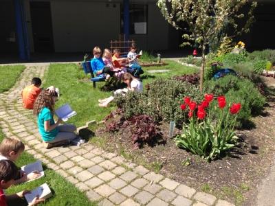 garden_reading